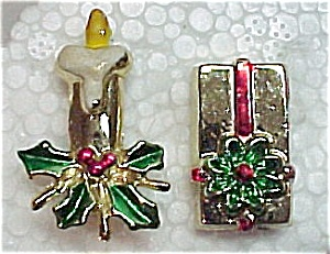 Lot of 2 Christmas Pins Package Candlestick Brooch (Image1)
