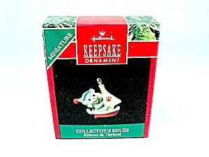 1990 Hallmark Christmas Tree Ornament Miniature Kittens in Toyland 3rd (Image1)