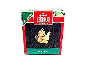 1990 Hallmark Christmas Tree Ornament Miniature Busy Carver Beaver (Image1)