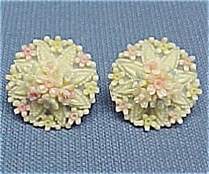 Celluloid Tropical Floral Bouquet Screw Earrings Flower (Image1)