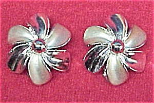 Silvertone Flower Clip Earrings (Image1)