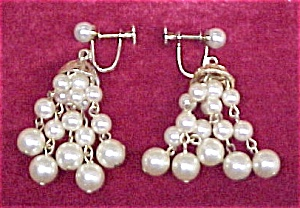 Vintage Faux Pearl MOD Dangle Screw Earrings (Image1)