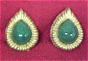 Vintage Jade Goldtone Teardrop Clip Earrings (Image1)