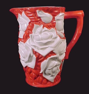 Vntg 1 Pt Milk Pitcher Red w/ White Roses Made in Japan (Image1)