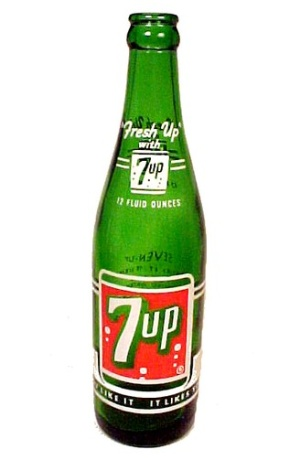 7 Seven Up 7up Soda Pop Beverage Drink Bottle Vintage