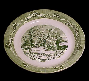 Old Homestead in Winter Deep Dish 10 in Pie Plate Currier & Ives Royal (Image1)
