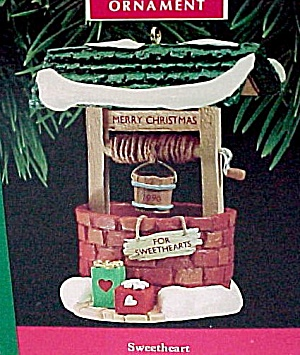 1990 Hallmark Christmas Tree Ornament Sweetheart Wishing Well (Image1)