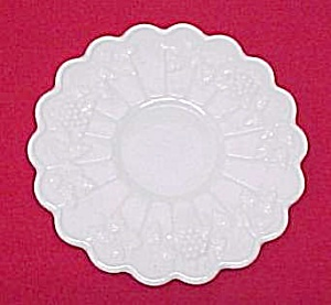 Westmoreland Paneled Grape Milk Glass Saucer Underplate (Image1)