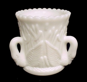 Westmoreland Milk Glass Toothpick Swan In Rushes W/tag