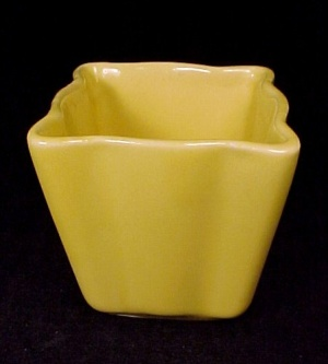 Carmark Pottery Miniature Flower Pot Yellow #402 Vase (Image1)