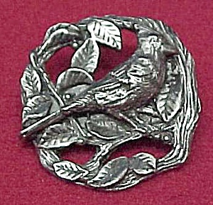 1999 Birds & Bloom Pewter Cardinal Figural Pin Brooch (Image1)