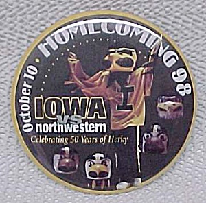 '98 University of Iowa Hawkeyes Football Homecoming Pin (Image1)
