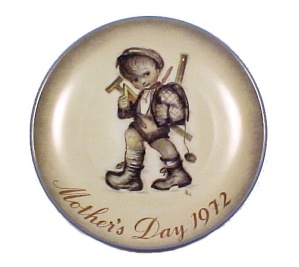 Schmid Berta Hummel 72 Mother's Day Plate Playing Hooky (Image1)
