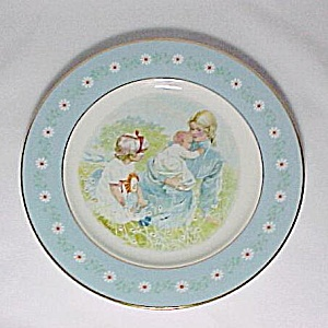 1974 Avon Tenderness Collectors Commemorative Plate (Image1)