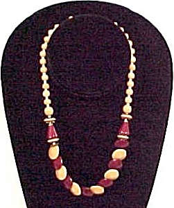1930s Glass Beaded Necklace 16 inches of Beads Beading (Image1)