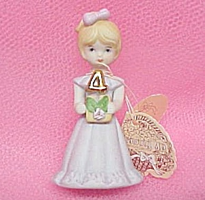 Enesco 1981 Growing Up Birthday Girl 4 Figurine Miniature (Image1)