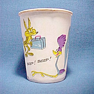 Wile E. Coyote Road Runner Vintage Paper Drinking Cup