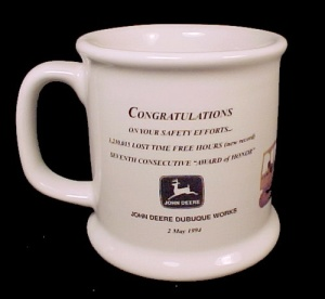 John Deere Dubuque Iowa Ceramic Coffee Mug Cup Vintage (Image1)