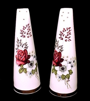 Royal Stuart Bone China Salt and Pepper Shakers Roses (Image1)