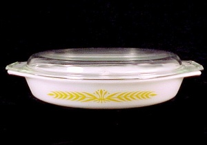 Pyrex Royal Wheat Divided Oval Covered Casserole Dish (Image1)