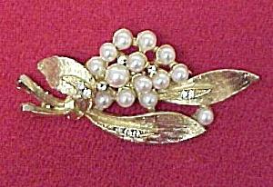 LJM Faux Pearl Rhinestone Brooch Pin Brushed Goldtone (Image1)