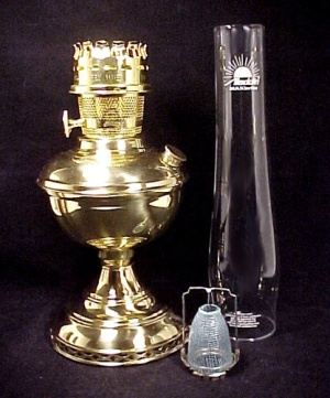 Solid Brass Aladdin Deluxe Kerosene Oil Table Lamp Chimney Mantle Wick (Image1)