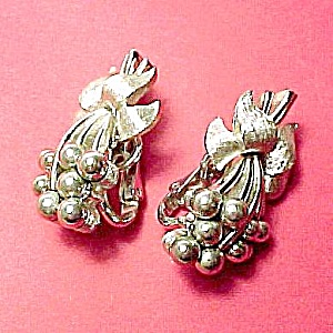 Trifari Brushed Silvertone Floral Clip On Earrings (Image1)