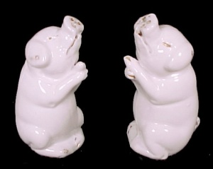 German White Porcelain Pig Salt & Pepper Shakers S&Ps (Image1)