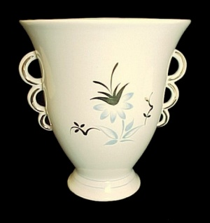 Arabia 7 In Vase Suomi Finlandia Ivory Porcelain China Blue Floral