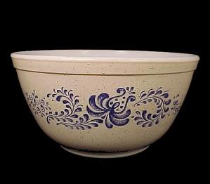 Pyrex Pfaltzgraff Blue Folk Art 1.5 qt. Mixing Bowl 402 (Image1)