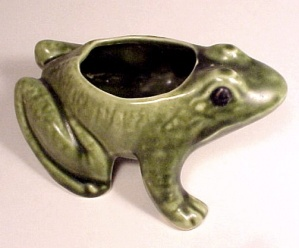 Vintage Brush-McCoy or McCoy Art Pottery Frog Planter (Image1)