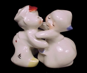Van Tellingen Vintage Huggers S&p Shakers Salt Pepper