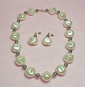 Faux Pearl Choker Necklace Dangle Pierced Earrings (Image1)