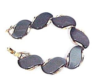 Lisner Chunky Grey Thermoset Lucite Goldtone Bracelet (Image1)