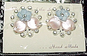 Vintage Pastel Shell Moonglow Rhinestone Screw Back Earrings Pink Blue (Image1)