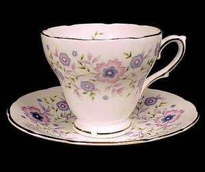 1974 Avon Blue Blossoms Flowers Bone China Cup & Saucer (Image1)