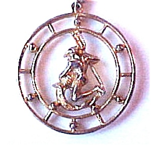 Celebrity Aquarius Zodiac Sign Circle Pendant & Chain (Image1)