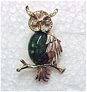 Gerry's Owl on Branch Pin Rhinestone & Green Agate (Image1)