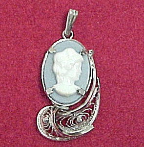 JJJ Blue Cameo in Ornate Sterling Filigree Pendant (Image1)