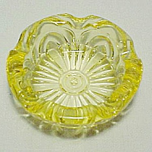 Cambridge Glass Caprice Yellow Individual 3 in Ashtray (Image1)