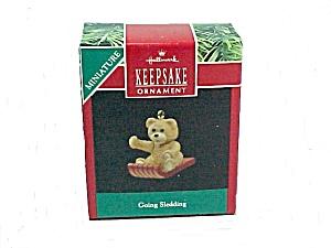 1990 Hallmark Christmas Tree Ornament Going Sledding Miniature Bear (Image1)