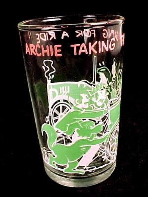 1971 Archie Drinking Glass Taking The Gang For A Ride