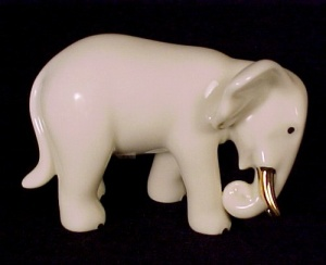 Lenox China Elephant Trunk Down Figurine 24k Gold Collectible Taiwan