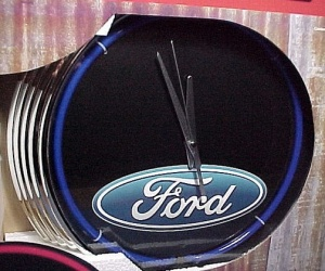 Ford Motor Blue Neon Clock Wall Sign Advertising New in Box Car Truck  (Image1)