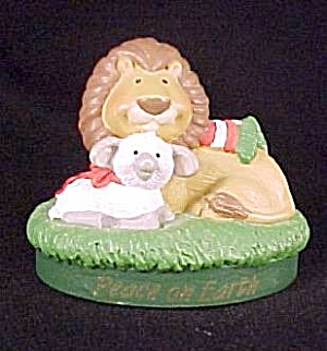 1995 Hallmark Merry Miniature Christmas Lion & Lamb (Image1)