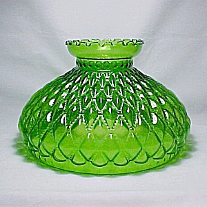 Diamond Beaded Quilt Green Glass 10 in Oil Lamp Shade Student Quilted  (Image1)