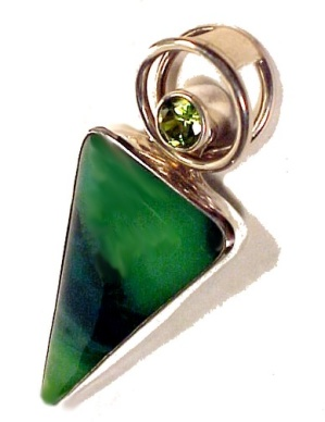 Sterling Silver Pendant Peridot Green Art Glass Jewelry (Image1)