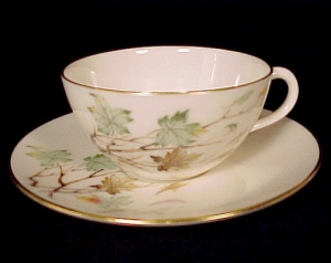 Lenox China Westwind Ivory Fall Leaves Cup & Saucer (Image1)
