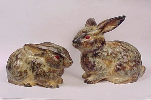 Lot 2 Brown Bunny Rabbit Vintage Figurine EASTER Basket (Image1)