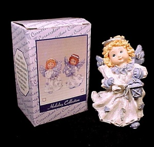 Christmas Angel Figurine with Lantern 2000 Resin  (Image1)
